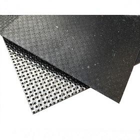 Grafitová tabuľa vystužená spevneným kovom